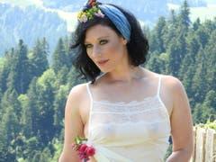 Die 27-jährige Lea aus dem Kanton St.Gallen ist Landwirtin. (Bild: www.bauernkalender.ch)