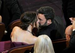 Ein Kuss für den Oscargewinner: Jennifer Garner gratuliert 2013 ihrem Ehemann Ben Affleck. (Bild: Keystone)