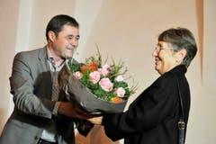 Blumen von David Angst für Miss Kreuzworträtsel Vreni Schawalder. (Bild: Donato Caspari)