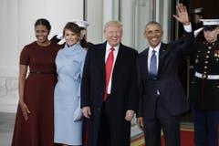 Das Ehepaar Obama mit seinen Nachfolgern. (Bild: Keystone)