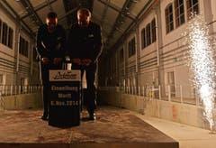 CEO Andrea Ruf und Verwaltungsratspräsident Hermann Hess starten die Einweihungsaktion. (Bild: Reto Martin)