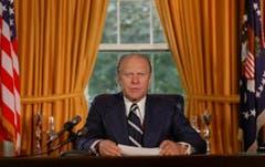 Der Republikaner Gerald Ford (1913 - 2006) ist der erste und bislang einzige Präsident der USA, der nie von Wahlmännern gewählt, sondern wegen zwei Rücktritten ernannt wurde. Seine Amtszeit dauerte vom 9. August 1974 bis 20. Januar 1977. In seiner Amtszeit erfolgte der vollständige Rückzug der USA aus Vietnam. (Bild: Keystone)