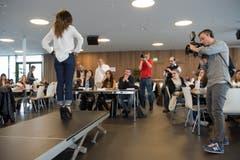 Schwarzenbach - Casting Miss Ostschweiz bei Möbel Svoboda (Bild: Ralph Ribi)