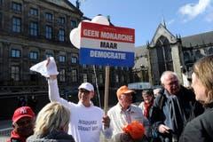 Nicht alle sind Freunde der Königsfamilie: Demonstration gegen die Monarchie. (Bild: Keystone)