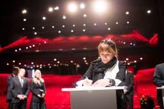 Auch Udo Jürgens' Ex-Frau Panja ist nach Zürich gekommen, um ihrer Trauer Ausdruck zu verleihen. (Bild: Keystone)