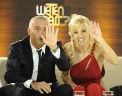 """Im Januar 2010 kam es im Rahmen von """"Wetten, dass...?"""" zum Wiedersehen zwischen Michelle Hunziker und ihrem Ex-Mann Eros Ramazzotti. (Bild: Keystone)"""