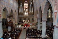 Die Kirche war für die Trauerfeier schlicht geschmückt. (Bild: pd)