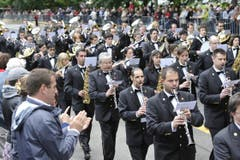 Parademusik auf der Rorschacherstrasse. (Bild: Hanspeter Schiess)