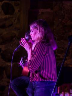 Die Sängerin Lina Button hatte einen Auftritt. (Bild: Andrea Stalder)