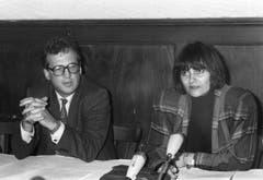 Aus frühen Jahren: Micheline Calmy-Rey, 1987 noch Präsidentin der SP Genf, und der Genfer Staatsrat Christian Grobet. (Bild: Keystone)