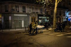 FRANCE PARIS SHOOTINGS (Bild: KAMIL ZIHNIOGLU (AP))