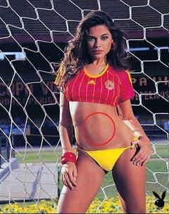 Der vergessene Bauchnabel: So erschienen im Playboy. (Bild: Playboy)