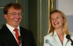 Prinz Johan Friso und seine Mabel geben am 30. Juni 2003 im Königspalast ihre Verlobung bekannt. (Bild: Keystone)