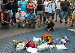 Trauer in Barcelona. (Bild: QUIQUE GARCIA (EPA))