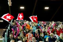Lautstark unterstützten die Schweizer Fans ihr Team. (Bild: Urs Bucher)