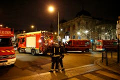 Police investigation operations after Paris attacks (Bild: Keystone)