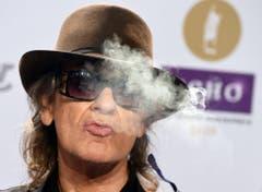 Im Rauch: der deutsche Altrocker Udo Lindenberg. (Bild: Keystone)