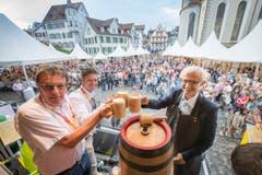 Fassanstich und Eröffnung des St.Galler Fest 2016 mit Bruno Bischof, Milo Stössel und Nino Cozzio. (Bild: Urs Bucher/Archiv)