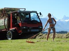 Die 32-jährige Bernerin Natalie ist Landwirtin. (Bild: www.bauernkalender.ch)