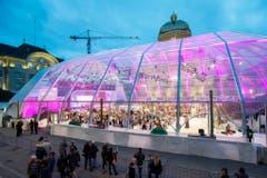 Der Dome - extra für die Wahlnacht auf dem Bundesplatz aufgebaut. (Bild: Keystone)