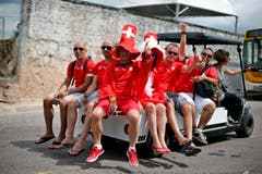 Hopp Schweiz! Fans vor dem entscheidenden Spiel gegen Honduras. (Bild: Keystone)
