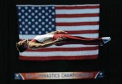 Schwerelos: Logan Dooley bei den US-amerikanischen Meisterschaften im Trampolinturnen. (Bild: Morry Gash (AP))