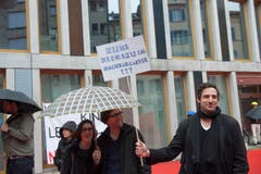 Linke demonstrierten auf dem roten Platz gegen Rechtsextreme. (Bild: Ralph Ribi)