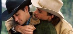 """2007 wurde er zum besten Filmkuss des Jahres gewählt. Jake Gyllenhaal und Schauspielkollege Heath Ledger im Schwulendrama """"Brokeback Mountain"""". (Bild: Keystone)"""