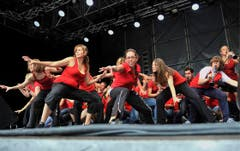 Die Mitglieder von Showband.ch bei einem Auftritt. (Bild: Hanspeter Schiess)