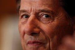 """Eine der jüngeren Aufnahmen: Am 24. August 2011 während der Pressekonferenz zur Verfilmung seiner Autobiographie """"Der Mann mit dem Fagott"""". (Bild: Keystone)"""