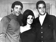 Priscilla lernt durch ihren Mann die damaligen Grossen des Showbusiness kennen, hier Tom Jones im Jahr 1967. (Bild: Keystone)