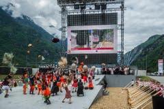 Die Festivitäten am Gotthard lockten zahlreiche Besucher an. (Bild: Keystone)