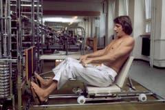 Udo Jürgens trainiert im Fitnesscenter. (Bild: Keystone)
