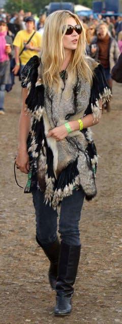 Rockerbraut: Kate Moss ist regelmässige Besucherin des Glastonbury-Festivals, einem britischen OpenAir. (Bild: Keystone)