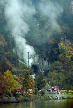 Die Bahnlinie ist wegen des Unfalls unterbrochen. (Bild: Keystone)
