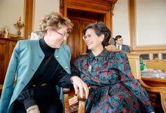 Während Lilian Uchtenhagen den Sprung in die Landesregierung verpasste, schaffte ihre Parteikollegin Ruth Dreifuss die Wahl in den Bundesrat. (Bild: Keystone)