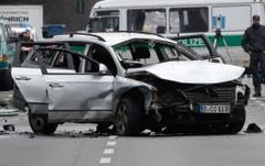 Das explodierte Auto in Berlin. (Bild: Keystone)