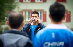 Die Chinesen schiessen bereits Erinnerungsfotos. (Bild: Michel Canonica)