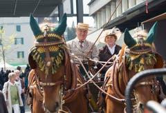 St. Gallen - OFFA Frühlingsmesse Freitzeit- und Sportmesse und Pferdemesse Besucher bei oder in der Arene bei der Darbietung der Pferdevoltiiererinnen Pferdegespanne (Bild: Ralph Ribi)