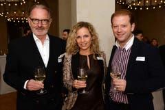 Unternehmer Hermann Hess mit Claudia Felber und ihrem Ehemann, dem Jazzmusiker Dani Felber. (Bild: Nana do Carmo)