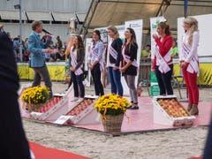 Insgesamt sechs Frauen stellten sich zur Wahl: Tiziana Castauro, Iris Lieberherr, Lea Rutishauser, Marion Weibel, Sara Zaugg und Deborah Neuhaus. (v.l.n.r.) (Bild: Hanspeter Schhiess)