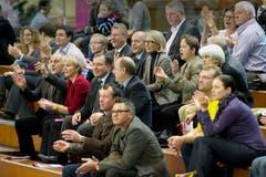 Bundesrat Ueli Maurer inmitten von St.Galler Prominenz. (Bild: Urs Bucher)