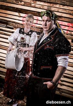 Der Schwyzer Torsten Betschart mit Karin Pfister. (Bild: dieboesen.ch/Thomas Buchwalder)