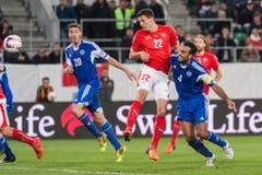 Der Kopfball ist seine Stärke: Fabian Schär erzielte das 2:0. (Bild: Keystone)
