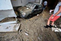 Der Schlamm ist überall in dieser Herisauer Garage. (Bild: Michel Canonica)