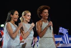Das Moderatorinnen-Trio, bestehend aus Alice Tumler, Mirjam Weichselbraun und Arabella Kiesbauer (von links). (Bild: Keystone)