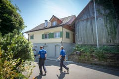 Im Keller dieses Einfamilienhauses hat die Polizei das tote Mädchen entdeckt. (Bild: Urs Bucher)
