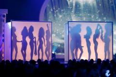 Schattenspiel mit den Miss Schweiz Kandidatinnen. (Bild: Keystone)