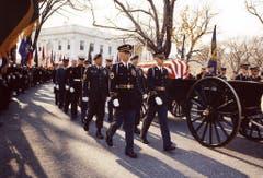 Beerdigungszeremonie für den ermordeten Präsidenten der USA am 24. November 1963. (Bild: Keystone)