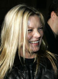 Ungeschminkt und ungekünstelt: Kate Moss 2006 in Mailand. (Bild: Keystone)